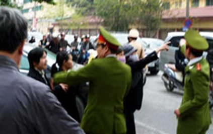 VIETNAM-POLITICS-RIGHTS-TRIAL
